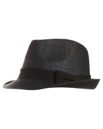 Hatt från Even&Odd, Hattar