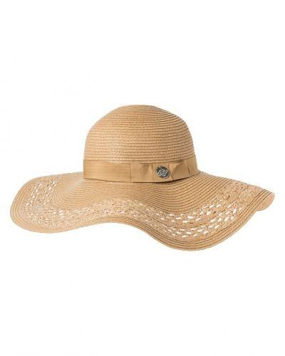 Till mamma från Dorothy Perkins, en hatt.