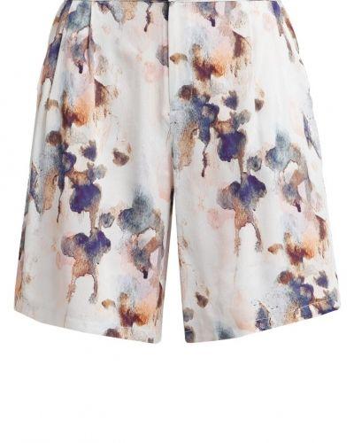 mbyM shorts till dam.