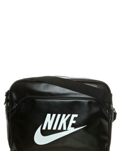 Nike Sportswear HERITAGE SI TRACK BAG Axelremsväska Svart - Nike Sportswear - Axelremsväskor
