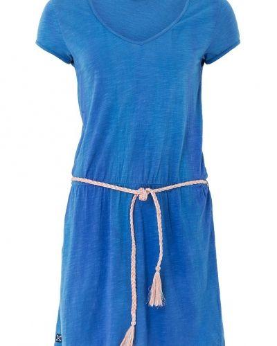 Till mamma från Oxbow, en sportklänning.