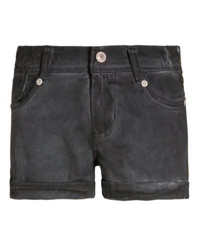 Hinley jeansshorts steal Petrol Industries jeansshorts till tjejer.