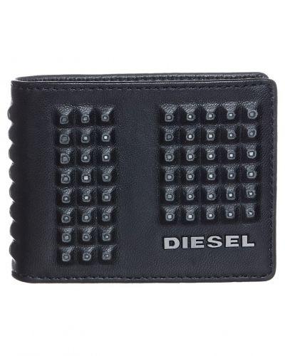 Diesel Hiresh xs plånbok. Väskorna håller hög kvalitet.