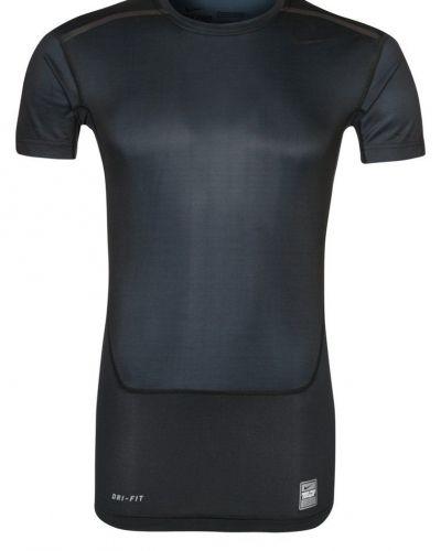 Nike Performance HYPERCOOL COMPRESSION SPEED TOP 2.0 Funktionströja Svart från Nike Performance, Kortärmade träningströjor