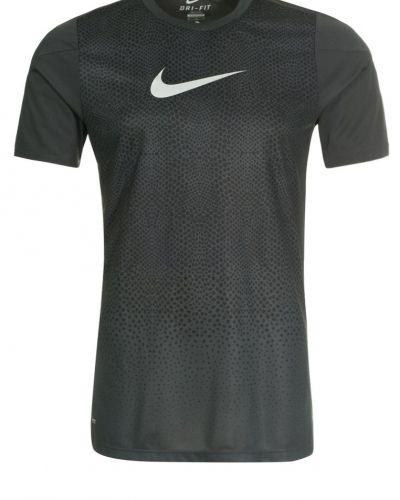 Nike Performance Hypervenom funktionströja. Traningstrojor håller hög kvalitet.