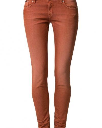 d. Brand slim fit jeans till dam.