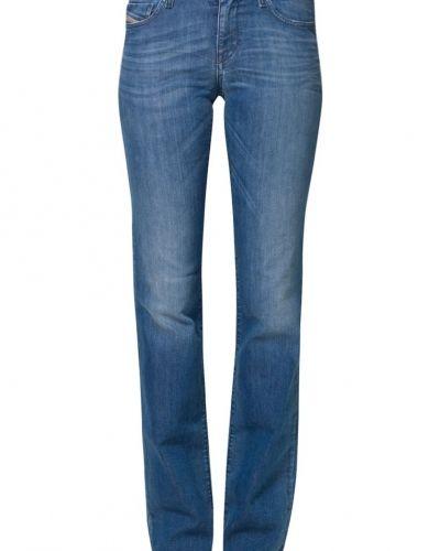 Bootcut jeans från Diesel till tjejer.