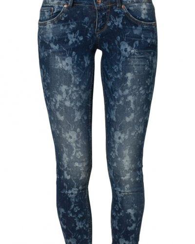 Blå slim fit jeans från ONLY till dam.