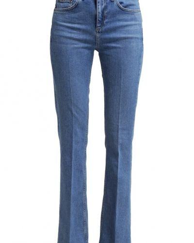 Bootcut Jeans i snygga modeller! Vi ger dig en mängd modeller och ...