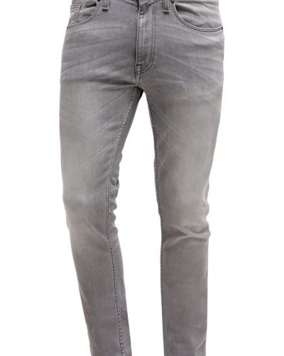 Till dam från Burton Menswear London, en slim fit jeans.