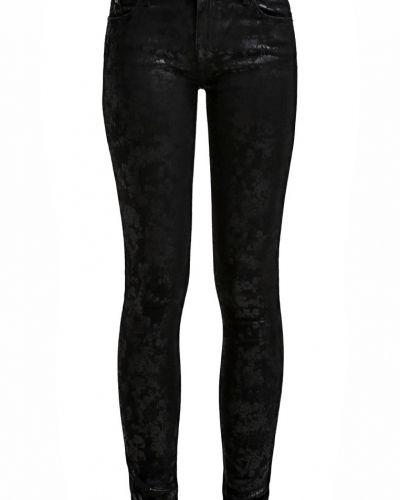 Till dam från KARL, en jeans.