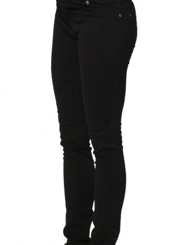 Slim fit jeans från Love2Wait till dam.