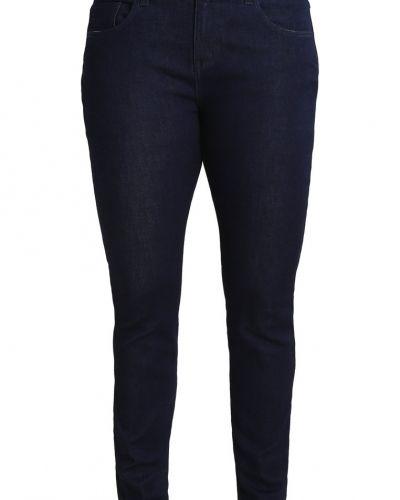 Till dam från Zalando Essentials Curvy, en slim fit jeans.