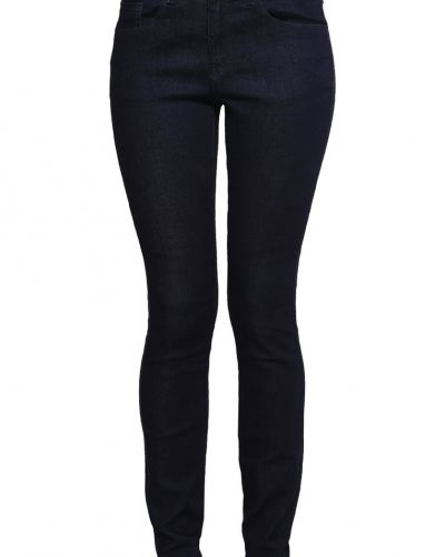 Zalando Essentials slim fit jeans till dam.