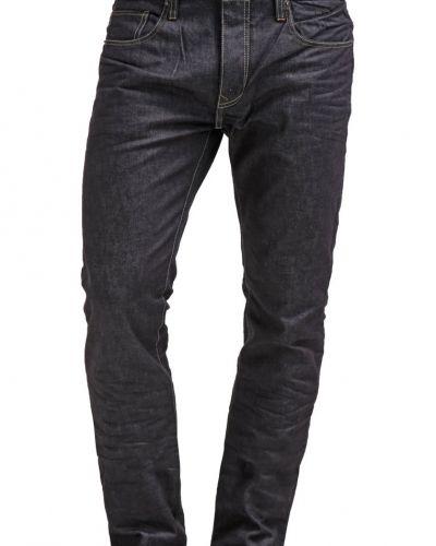 Till dam från Petrol Industries, en straight leg jeans.