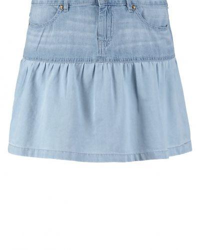 Till tjejer från Edc by Esprit, en jeanskjol.