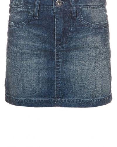 Till tjejer från Levi's®, en jeanskjol.