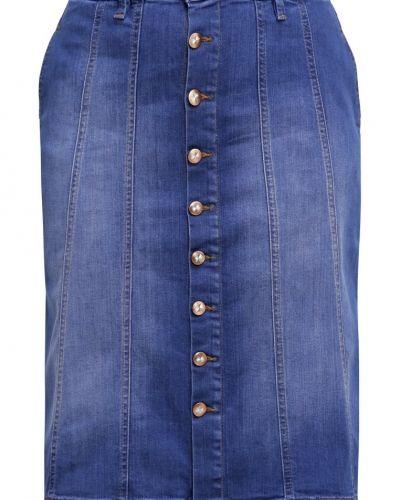 Till tjejer från Zizzi, en jeanskjol.