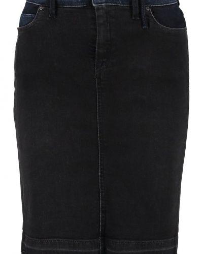 Till mamma från Marc O'Polo DENIM, en jeanskjol.