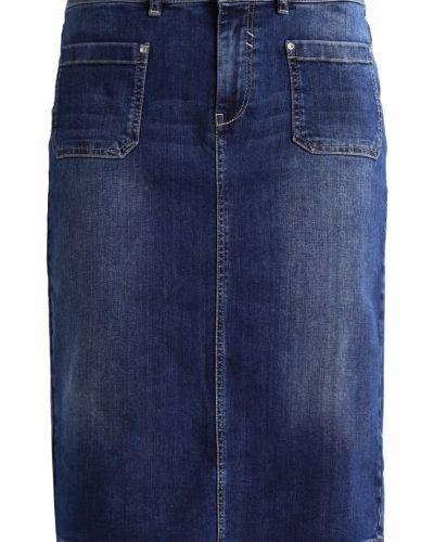 More & More jeanskjol till mamma.