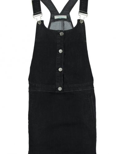Till tjejer från TWINTIP, en jeansklänning.