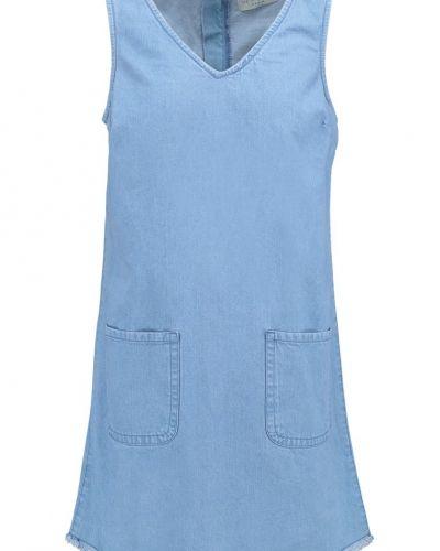 Jeansklänning blue New Look jeansklänning till tjejer.