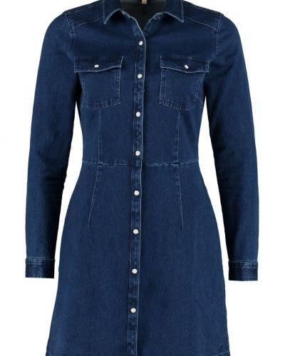 Till tjejer från Tom Tailor Denim, en jeansklänning.