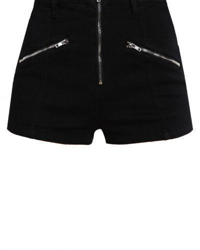 Till dam från Missguided Petite, en shorts.