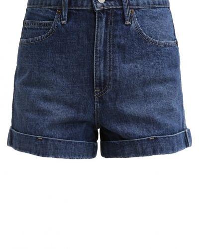 Till tjejer från GAP, en jeansshorts.