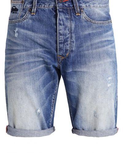 Till dam från Superdry, en shorts.