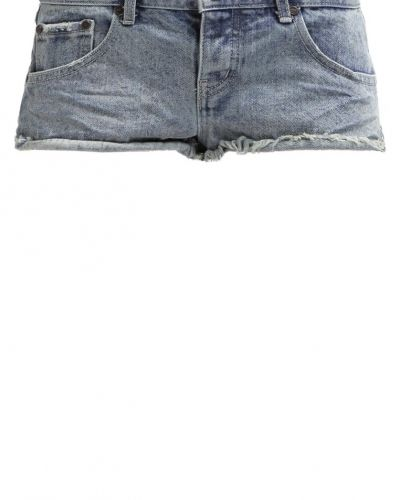 Jeansshorts romance One Teaspoon jeansshorts till tjejer.