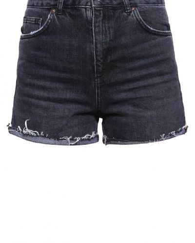 Till tjejer från Topshop, en jeansshorts.