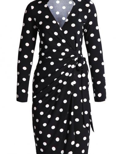 Jerseyklänning från Wallis till mamma.