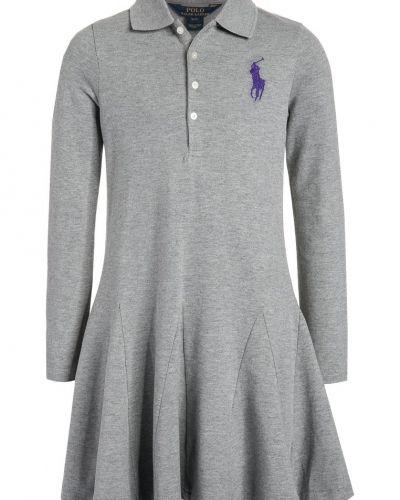 Till mamma från Polo Ralph Lauren, en jerseyklänning.