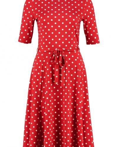 Till mamma från Wallis, en jerseyklänning.