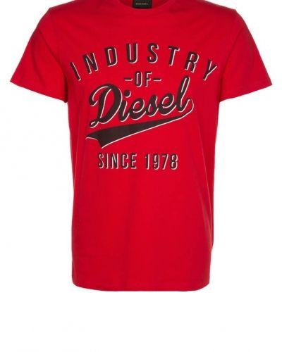 T-shirts från Diesel till dam.