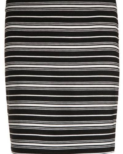 Till mamma från New Look 915 Generation, en kjol.