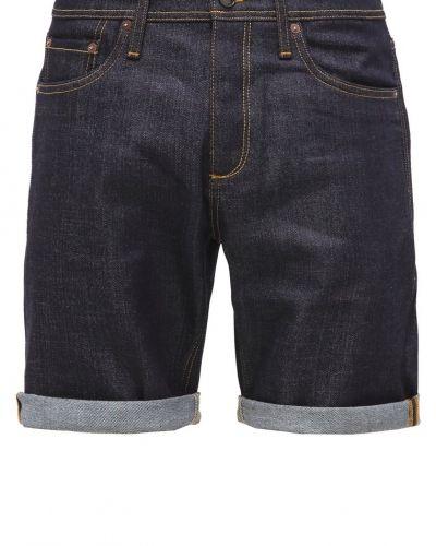 Till mamma från Jack & Jones, en jeansshorts.