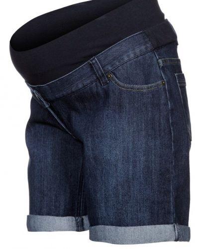 Till dam från JoJo Maman Bébé, en blå jeansshorts.