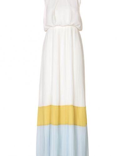 Till tjejer från Darling, en vit studentklänning.