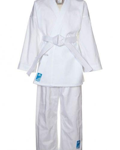 adidas Performance Karate kids träningsset. Traning håller hög kvalitet.