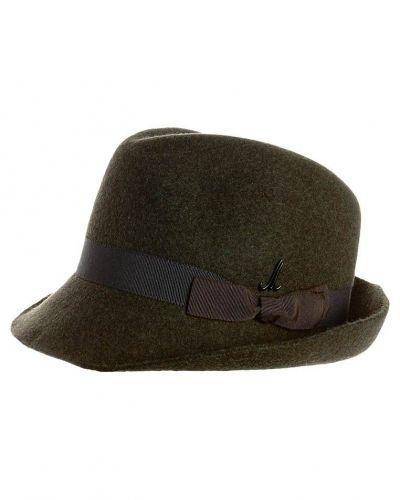 Karl hatt från Mühlbauer, Hattar