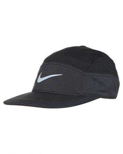 Keps från Nike Performance till mamma.