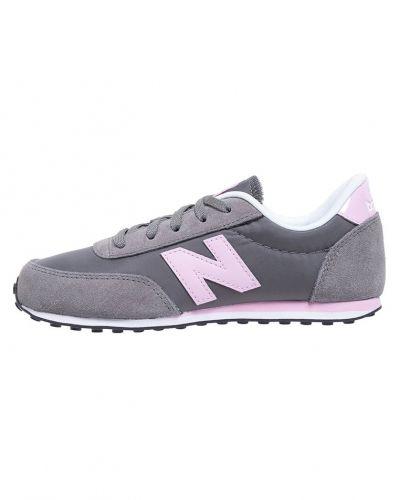 New Balance sneakers till tjej.