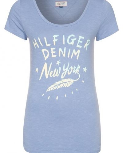 Till dam från Hilfiger Denim, en blå t-shirts.