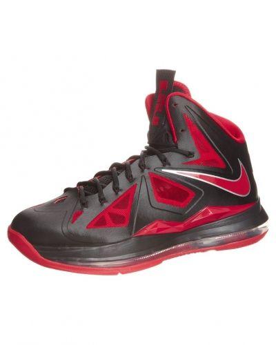 Nike Performance Lebron x indoorskor. Fotbollsskorna håller hög kvalitet.