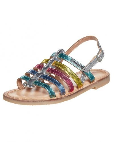 Till tjej från Les Tropéziennes par M Belarbi, en flerfärgad sandal.