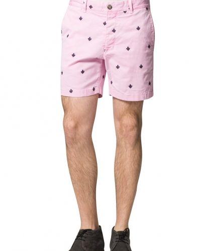 Till herr från Morris, en rosa shorts.