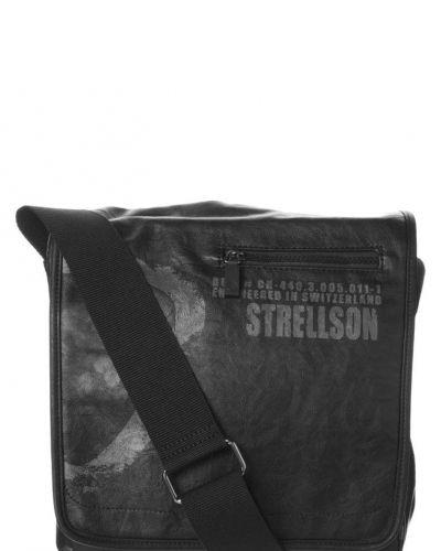 Strellson LIVERPOOL Axelremsväska Svart - Strellson - Axelremsväskor