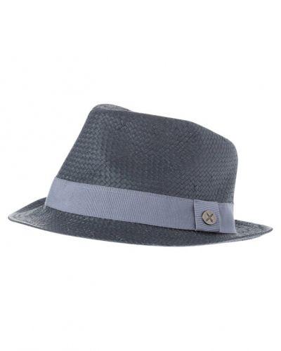 Till mamma från Menil, en hatt.